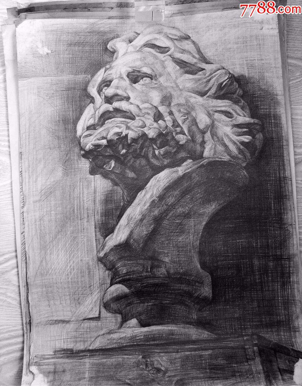"""鲁美学生绘制的石膏素描作品""""马赛头像"""""""