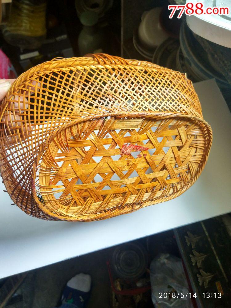 圆形竹篮灯笼图形