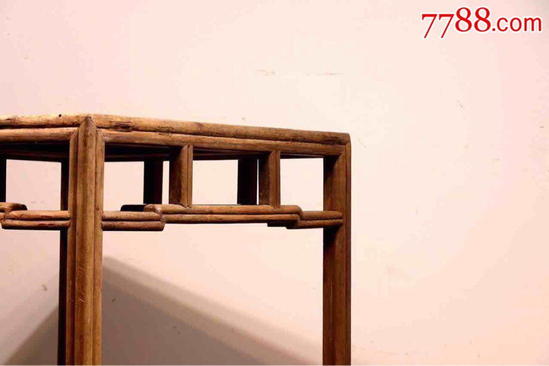 明式楠木茶台此桌采用劈料做,瓜瓣腿,裹腿枨加双矮栳.内*榫卯结构