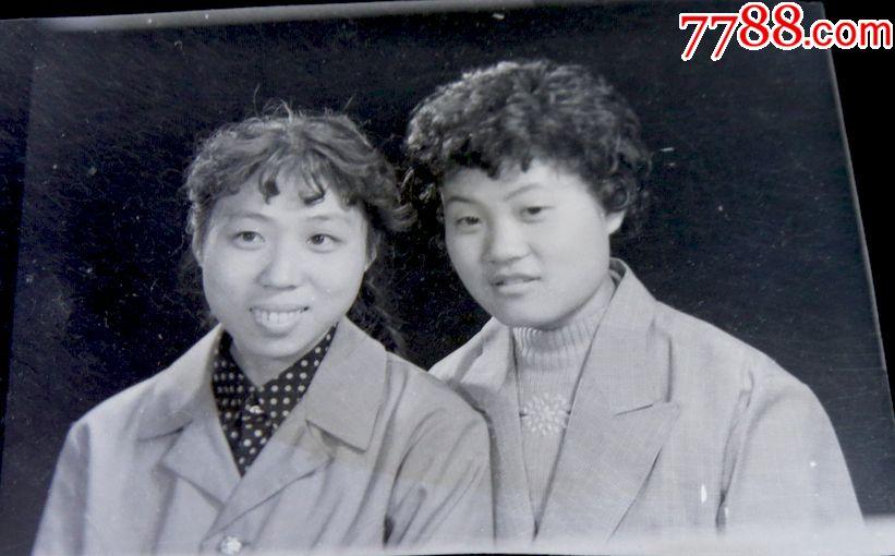 烫发女生【老底片】2018齐刘海发型图片美女图片