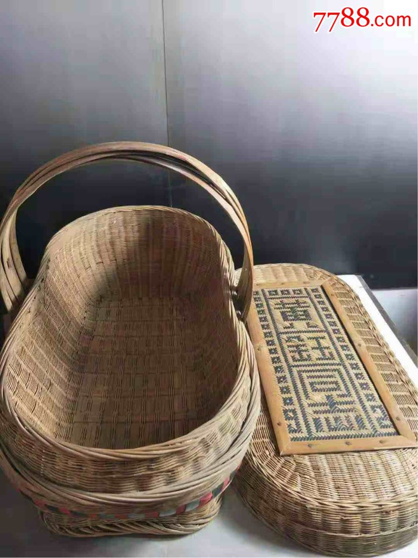 下乡收货,收货竹编提篮一批,纯手工制作,做工费时费力,规矩,漂亮,收藏