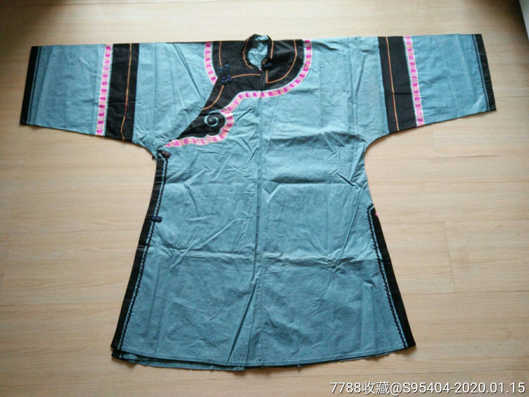 清代��袖大襟衣服。(se70724464)_
