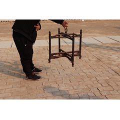 清代,楠木制鼓架。其中一腿,可拆裝。直徑60,高55。(se77400670)_7788舊貨商城__七七八八商品交易平臺(7788.com)