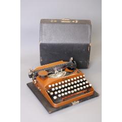 上世紀30年代德國Erika型號ModelD限量焦糖棕機械打字機功能完好(se77784360)_7788舊貨商城__七七八八商品交易平臺(7788.com)