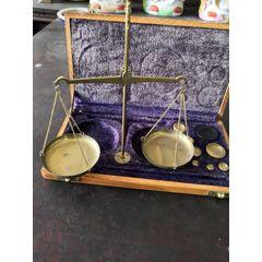 國外回流銅天平秤一套,帶原裝盒子,砝碼,保存完好,小巧精致,包老。(se77789325)_7788舊貨商城__七七八八商品交易平臺(7788.com)