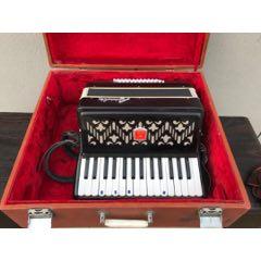 《百樂》牌老手風琴一個,聲音動聽悅耳,保存完好,能正常使用。(se77803927)_7788舊貨商城__七七八八商品交易平臺(7788.com)