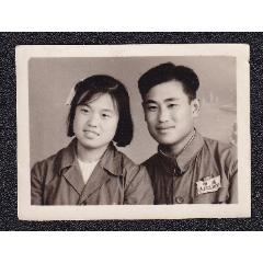 50年代女軍人夫妻合影老照片1張(尺寸約4.2*5.6厘米)(se78092277)_7788舊貨商城__七七八八商品交易平臺(7788.com)