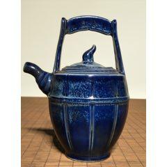 藍釉壺,造型獨特美觀,釉水肥厚瑩潤,易可擺設,即可使用。材質:瓷掛釉。(se78260311)_7788舊貨商城__七七八八商品交易平臺(7788.com)