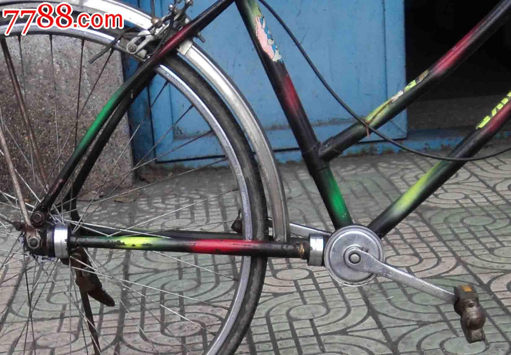 外国无链条只靠传动轴带动自行车