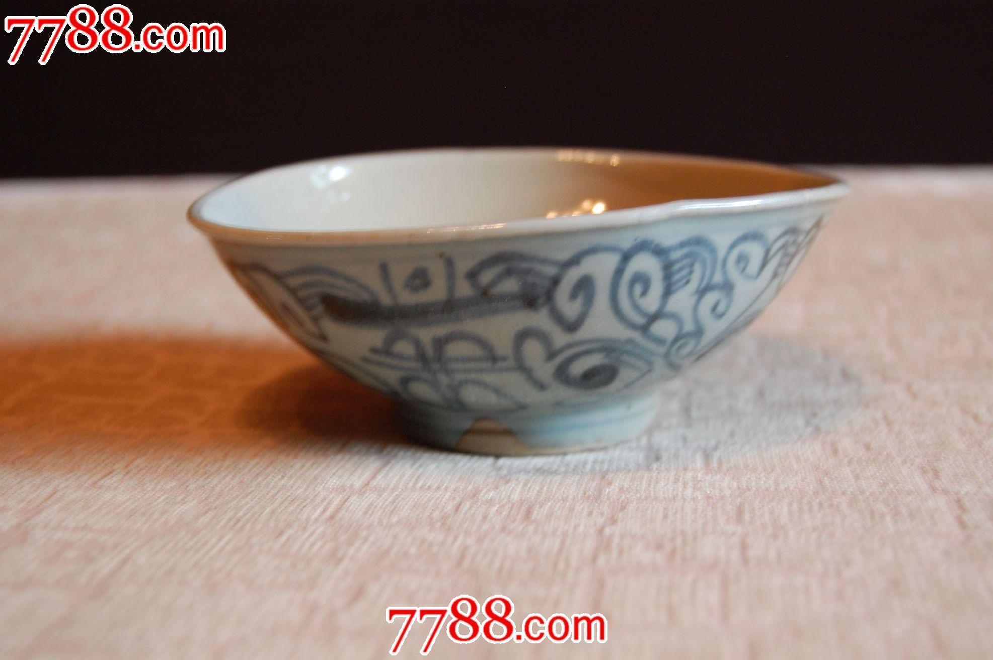 简单花纹陶瓷碗