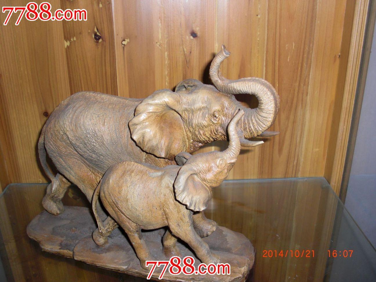 幸福的大象和小象吉祥如意树脂精品图片