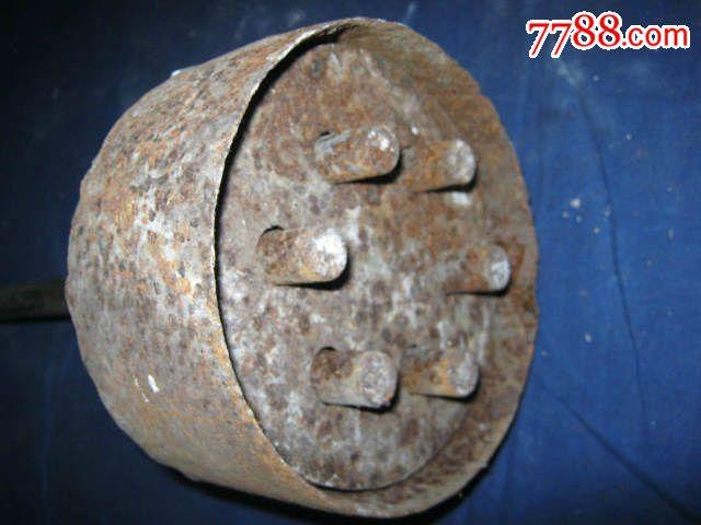 手工制作蜂窝煤的铁模具,老民俗,老工具,影视道具
