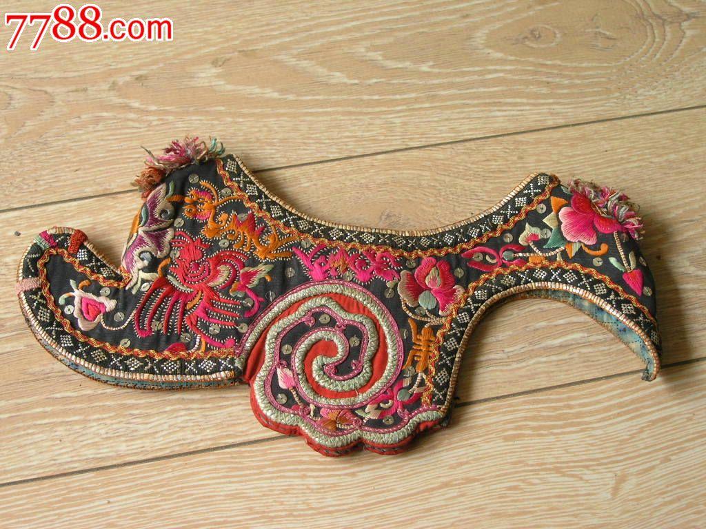 刺绣收藏1510a06-边疆早期民族地区厚底手工绣花彝族鸡冠帽