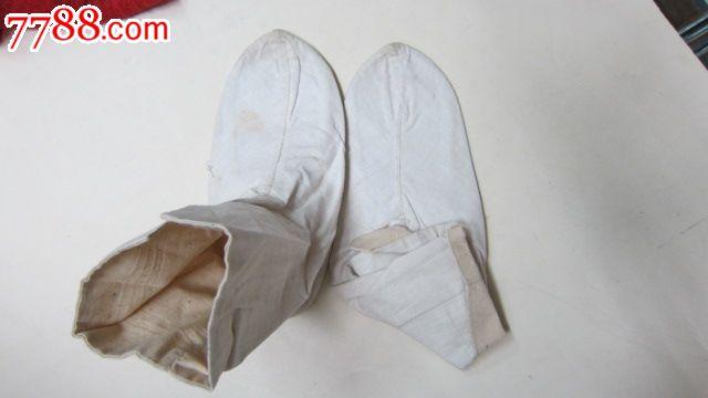 清代绣花底布袜子图片
