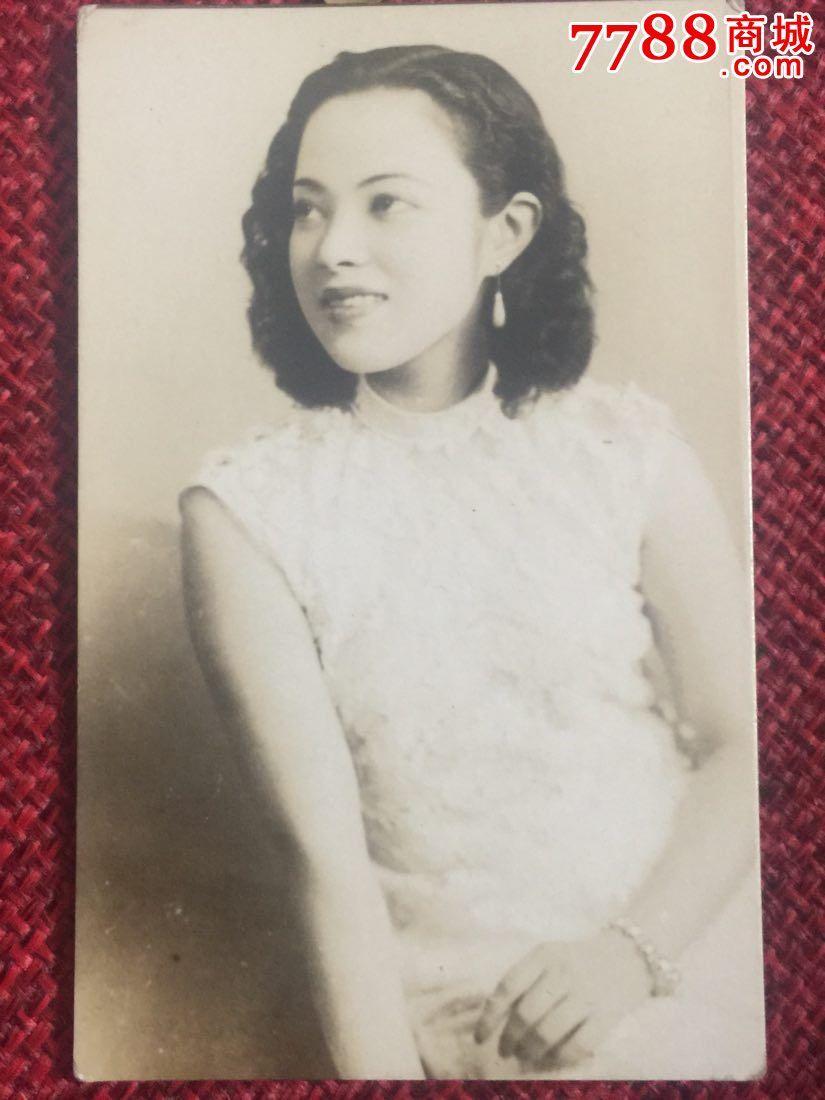 民国女歌星李香兰山口淑子老照片
