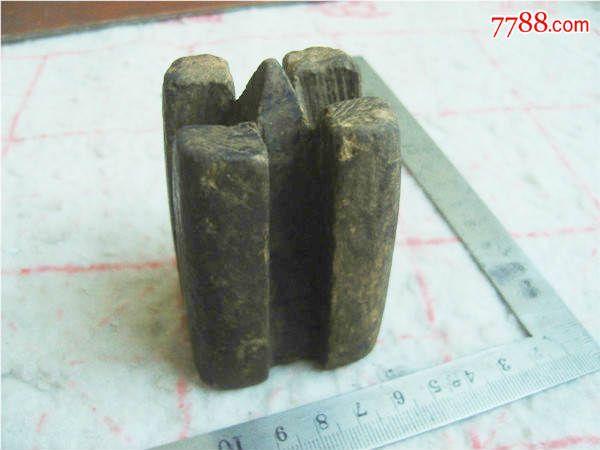 五六十年代手工编绳或是分竹子所用的民俗工具