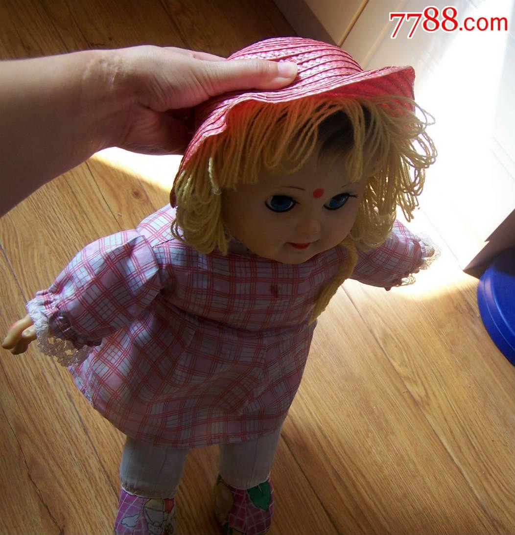 漂亮可爱的老式眨眼娃娃,整齐干净,点图可放大