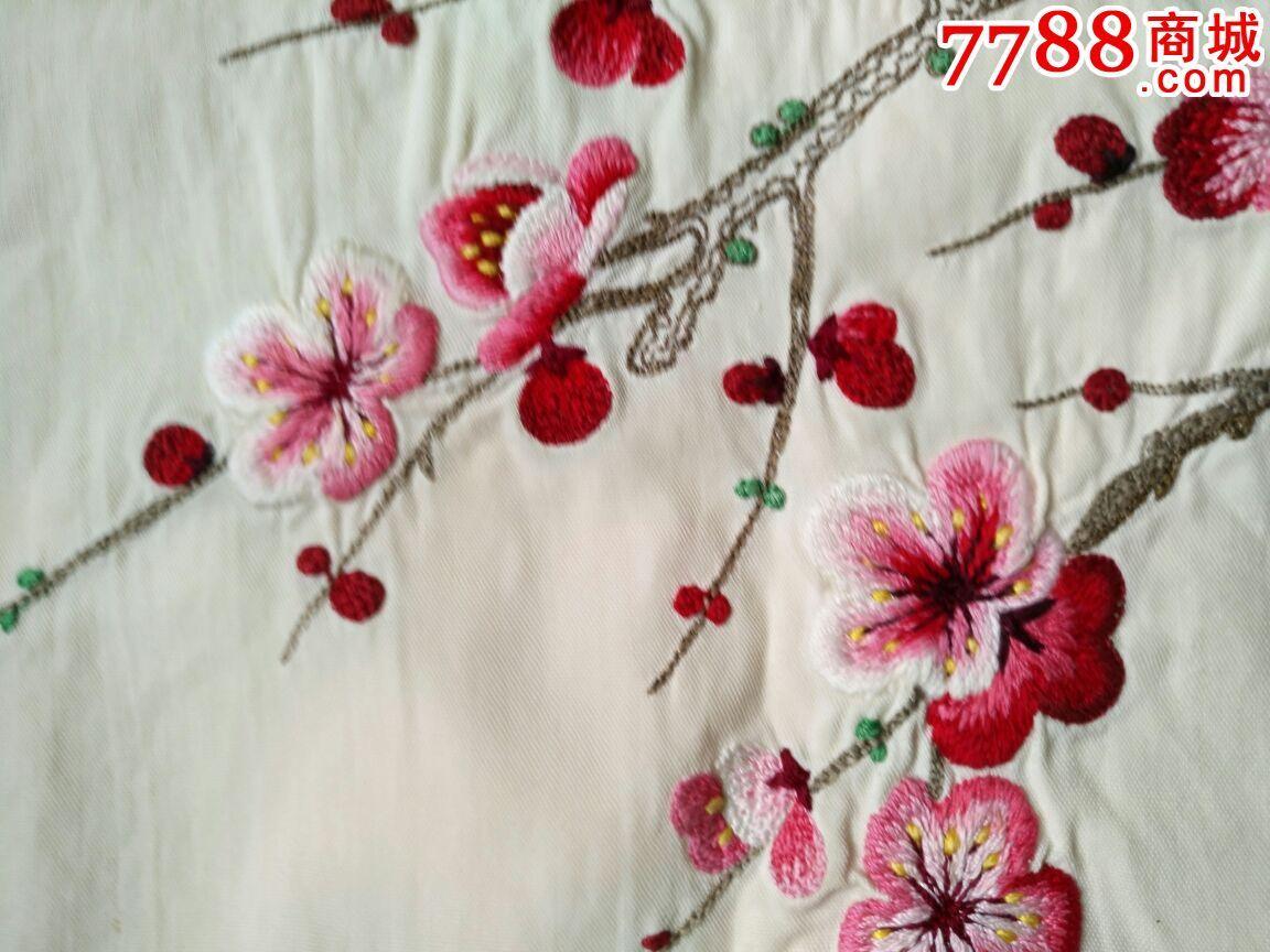 文革当年刺绣的梅花枕套