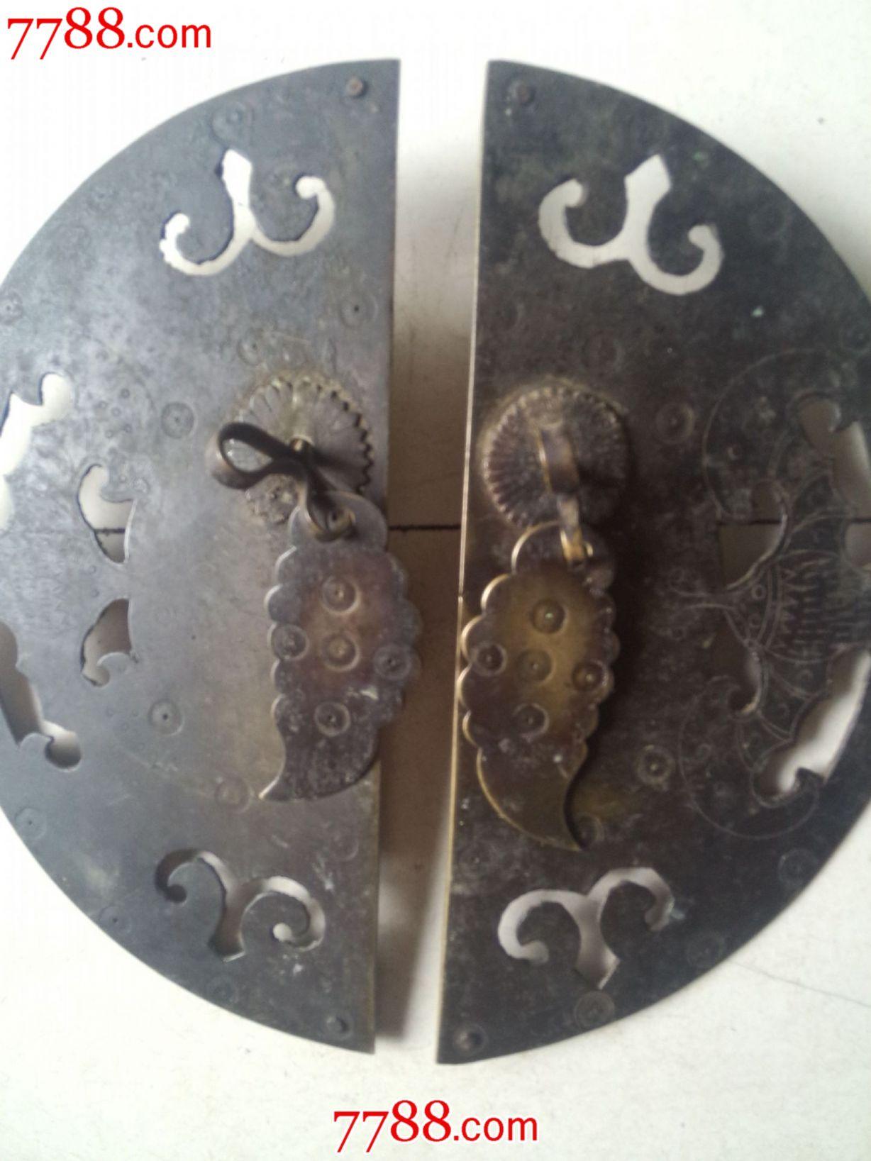 清代铜门锁《吉祥物蝙蝠一对》