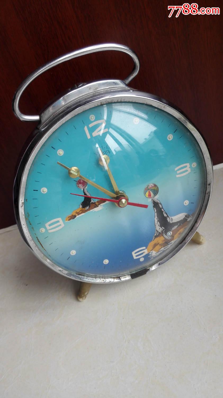 怀旧经典收藏七八十年代海豹顶球可爱蓝色底盘小闹钟